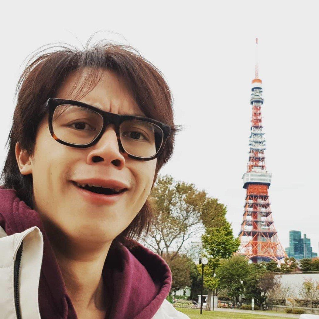 YouTuber HowHow和女友鄧福如到東京旅行。圖/摘自IG