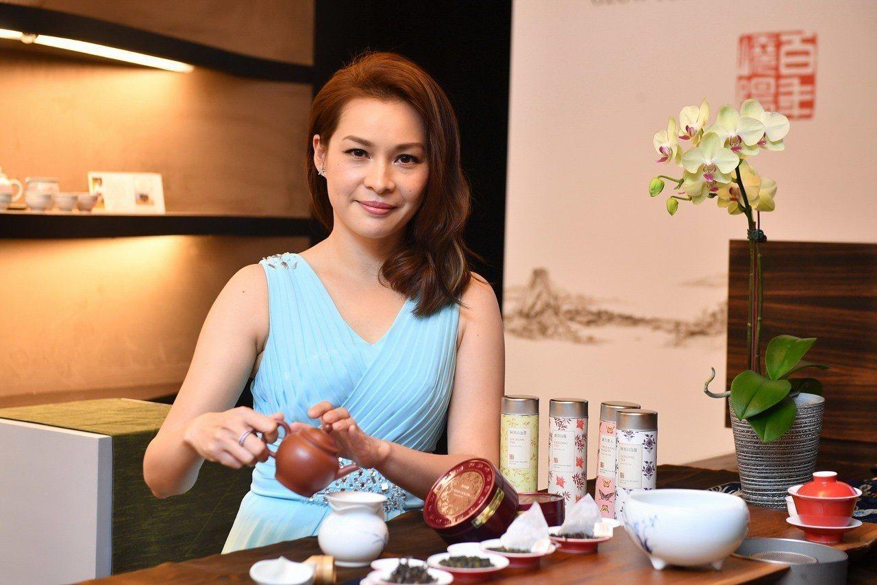 嶢陽茶行近年推廣化繁為簡的泡茶程序。圖/嶢陽茶行提供