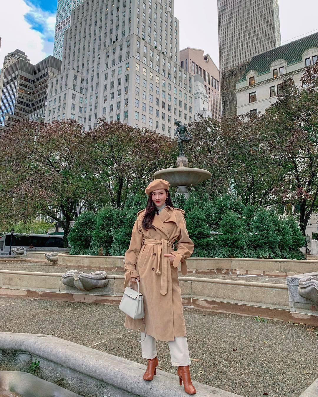 Jessica堪稱是西裝外套與大衣搭襯的專家。圖/取自IG