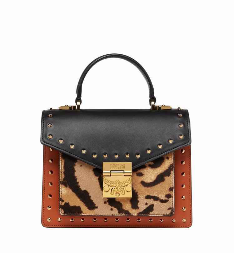 Patricia豹紋手提包,售價42,000元。圖/MCM提供