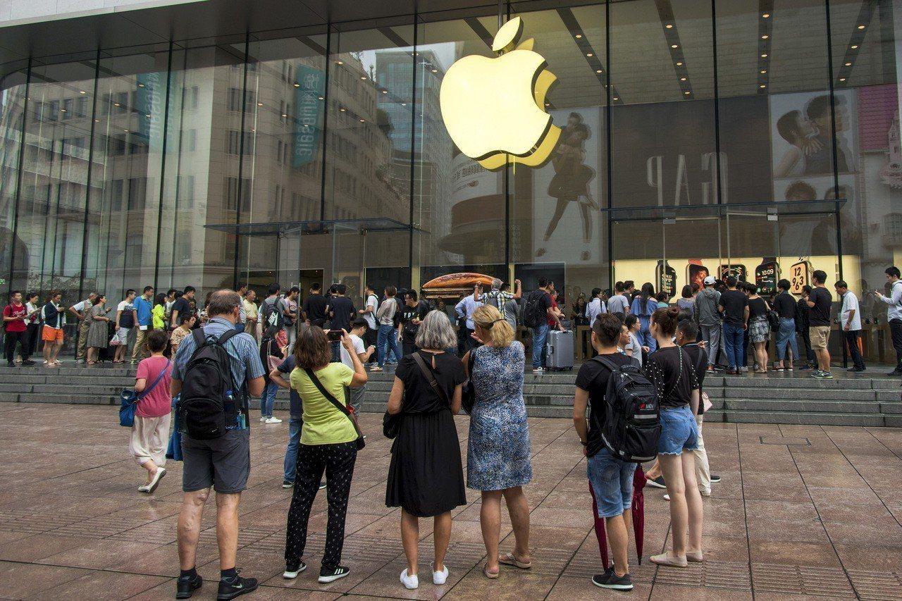 蘋果公司大量產品在中國組裝,雖尚未受美中貿易戰關稅直接衝擊,但美國總統川普昨天暗...