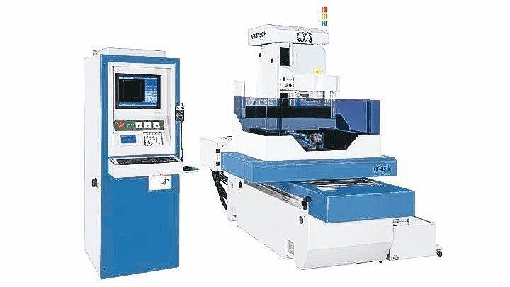 聯盛開發成功新一代LT-45非金屬線切割機。 聯盛機電/提供