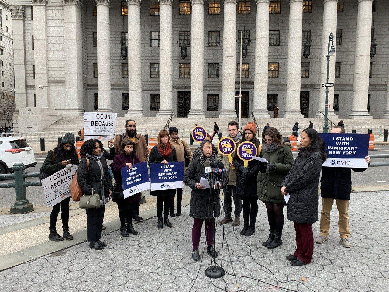 紐約移民聯盟等團體,6月針對2020年人口普查將詢問是否為美國公民的問題,在紐約...