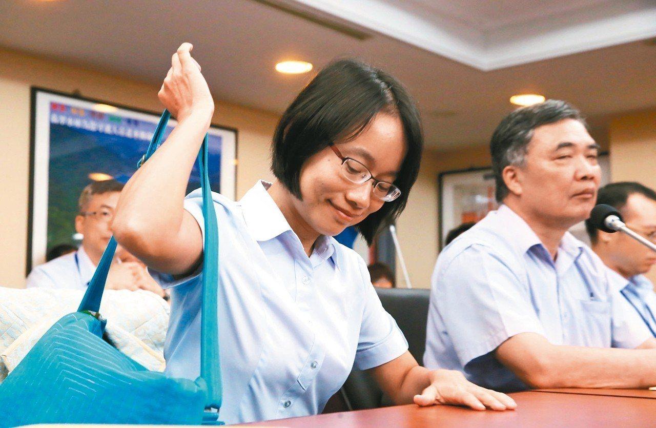 北農董事會明天召開,總經理吳音寧去留成為焦點。圖為吳音寧今年7月時因堅持不到北市...