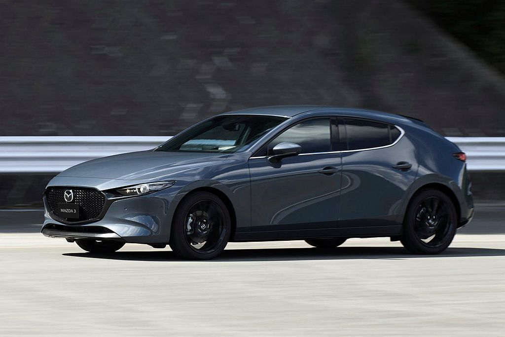 除現有i-ACTIVSENSE主動安全科技外,全新第四代Mazda3還加入駕駛監...