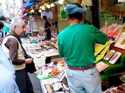 日本人長壽的成本愈來愈高,「獨自生存的能力」被許多專家當成解方。圖/pixaba...