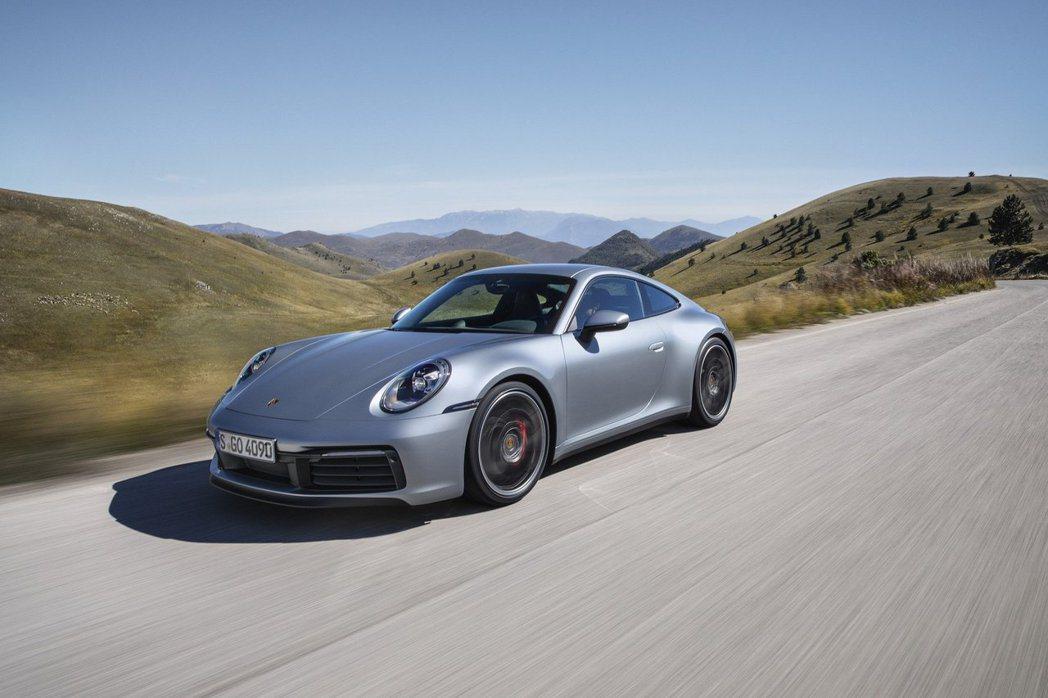 Porsche 911一直以來都是品牌經典車款,此次改款車型代號992。 Por...