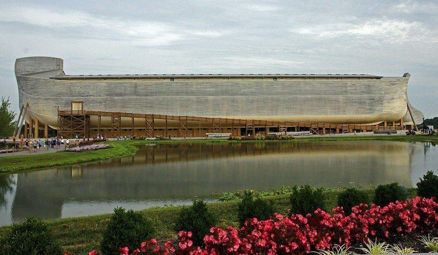 休伯斯打造的方舟高5樓可以承載5,000人以上。(Photo by scott1...