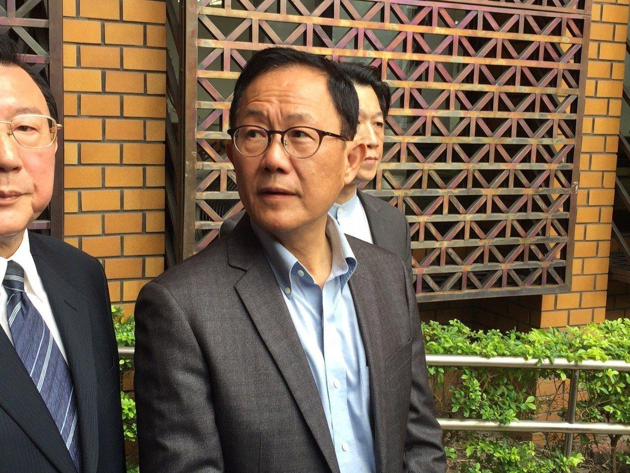 丁守中決定聲請司法驗票,前往台北地院繳428萬元保證金。記者王聖藜/攝影