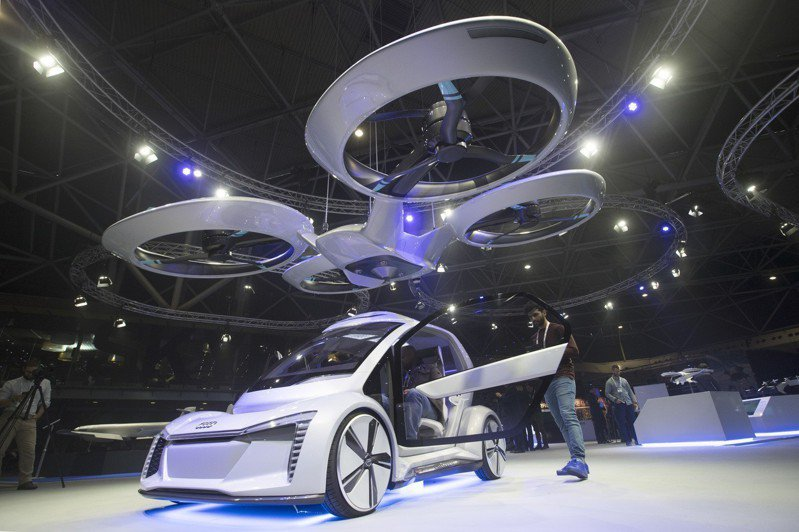 飛天無人車比例模型27日在阿姆斯特丹首次試飛。美聯社