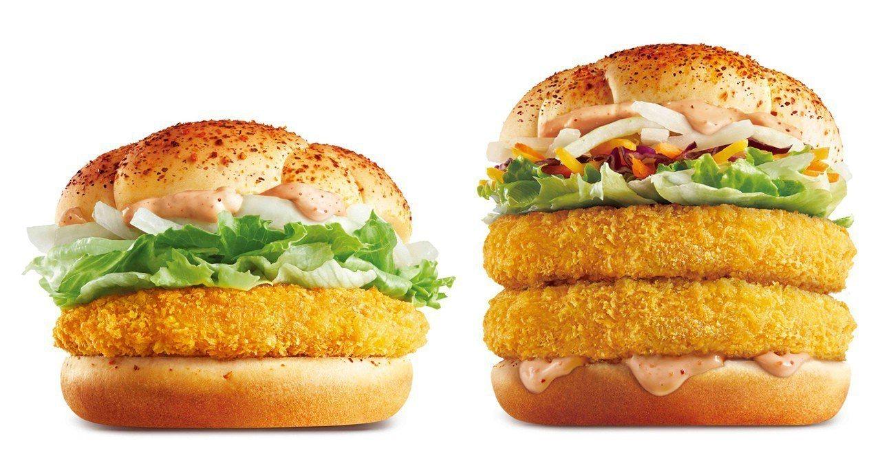 明太子鮭魚堡(左)單點89元、經典套餐139元;明太子雙魚堡(右)單點價119元...