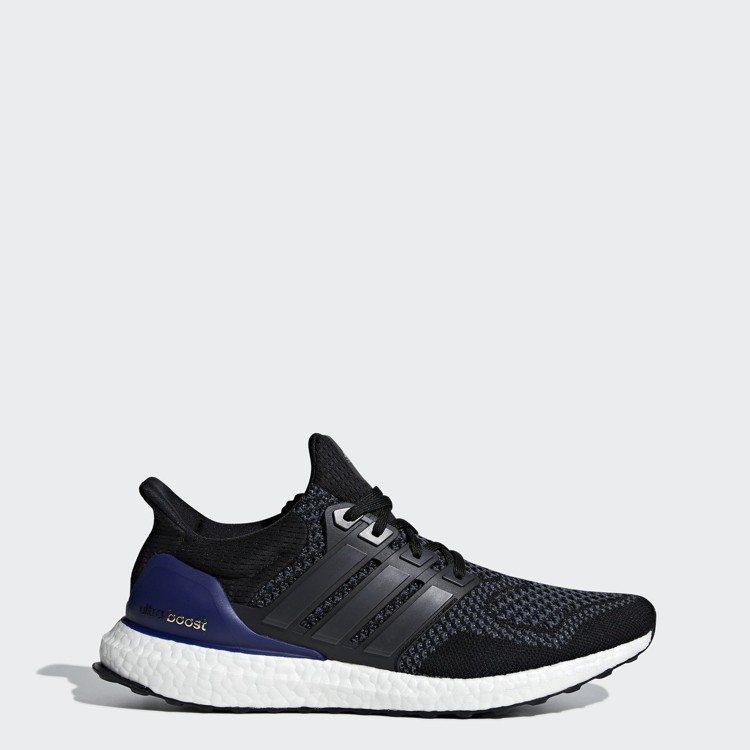 adidas復刻款UltraBOOST跑鞋,5,990元。圖/adidas提供