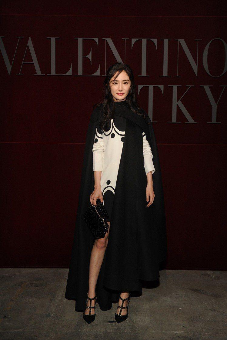 楊冪參與了東京發表的VALENTINO早秋系列。圖/VALENTINO提供