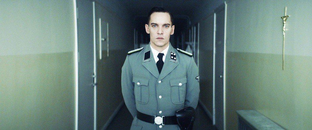 為演好納粹軍官,強納森萊斯梅爾斯21天學會德語。圖/海鵬提供
