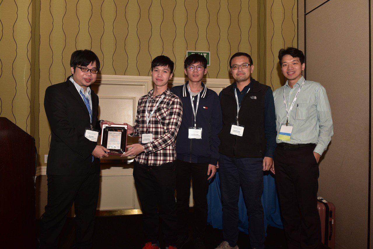 元智大學學生拿下「2018國際積體電路電腦輔助設計軟體製作競賽」 A項第2名,指...
