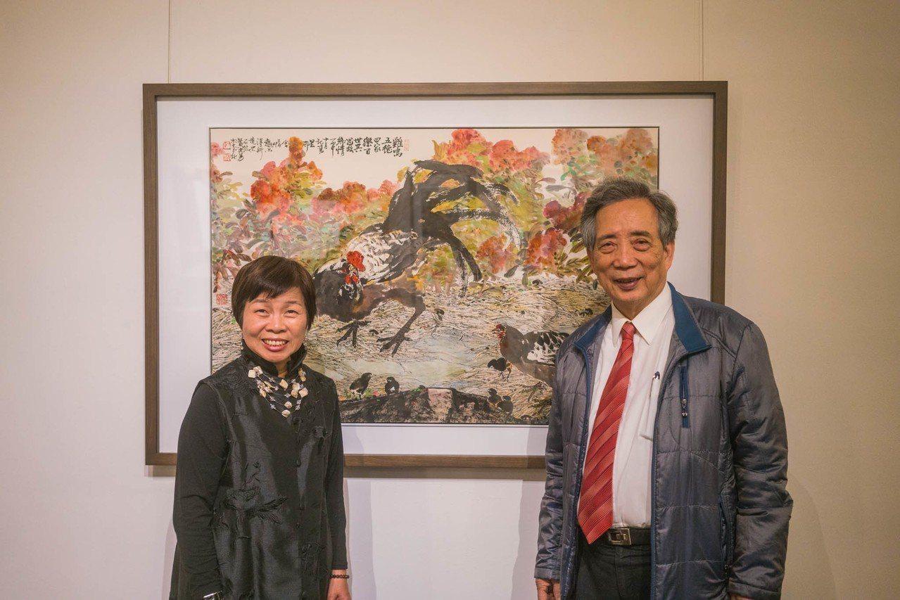黃光男(右)是二次大戰之後水墨東渡以來的第二代傑出藝術家,即日起在交大展出畫作。...