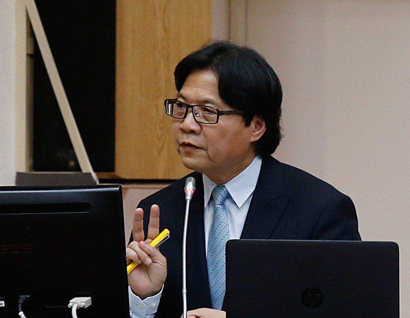 教育部長葉俊榮日前備詢,僅表示會檢討大學校長遴選制度。 圖/聯合報系資料照片