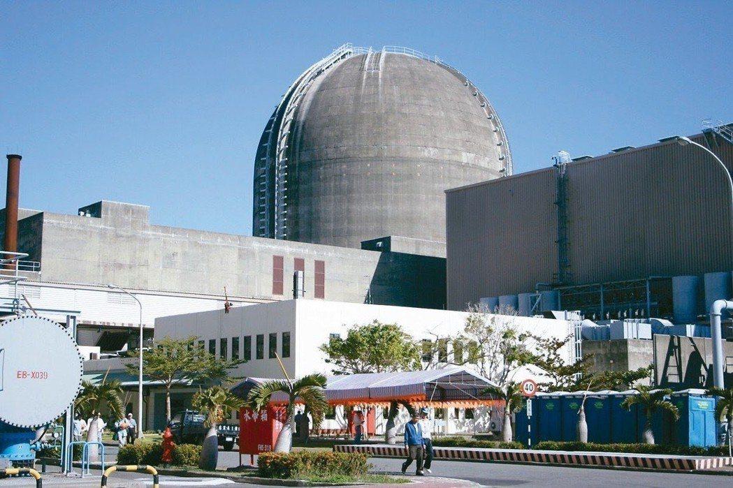 台電核三廠每年發給屏東恆春半島四鄉鎮2億2000萬元回饋金,讓當地民眾享有好「福...