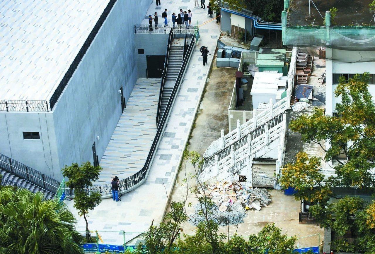 台大總務長葛宇甯表示,如果保留鹿鳴堂,除了要再提修復再利用計畫,還要另外再「生」...