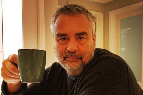 繼6個月前,一名女演員聲稱遭法國名導盧貝松(Luc Besson)強暴後,今天又有5名女子出面指控曾遭他性侵。新受害者有盧貝松成立的巴黎電影學校學生、前模特兒和他的前員工,受害者總數來到9人。盧貝松...
