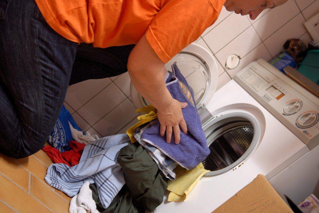造成衣服越洗越髒的9個常見錯誤。圖/ingimage