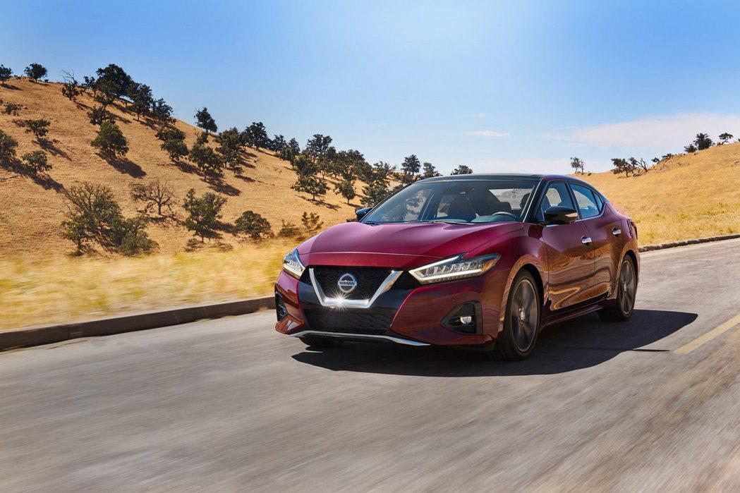 2019 Nissan Maxima同樣使用銘機VQ35引擎,300匹馬力和36...