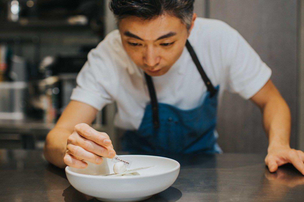 LEXUS攜手亞洲50大最佳餐廳、今年甫獲米其林一星的MUME,舉辦LEXUS Dining Out活動。 圖/和泰汽車提供