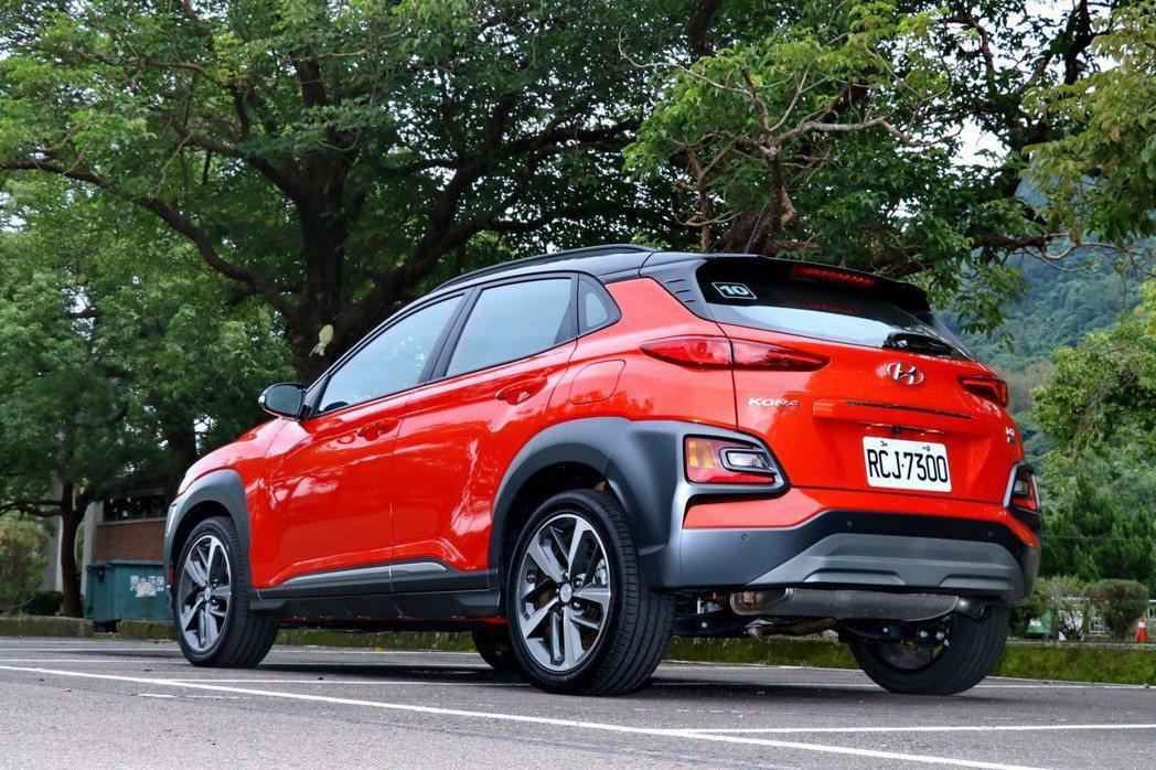 Hyundai Kona車尾辨識度極佳。 記者陳威任/攝影