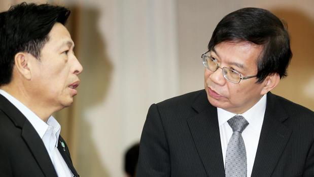 交通部次長王國材(右)。 記者陳正興/攝影