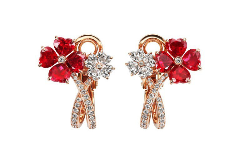 For you系列耳環,18K玫瑰金耳環鑲嵌總重5.12克拉心型切割紅寶石、1....