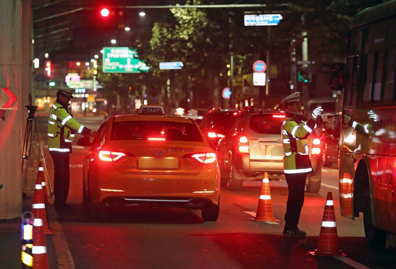南韓國會兩黨罕見合作,全體會議預計30日表決酒駕修正案,重懲酒駕駕駛與教唆酒駕者...