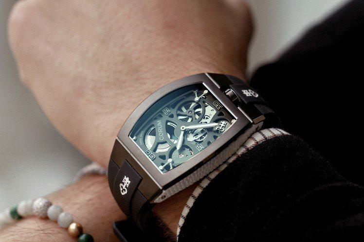 崑崙表經典系列Lab實驗腕表,白色搭配黑色DLC塗層鈦金屬材質,48萬9,000...