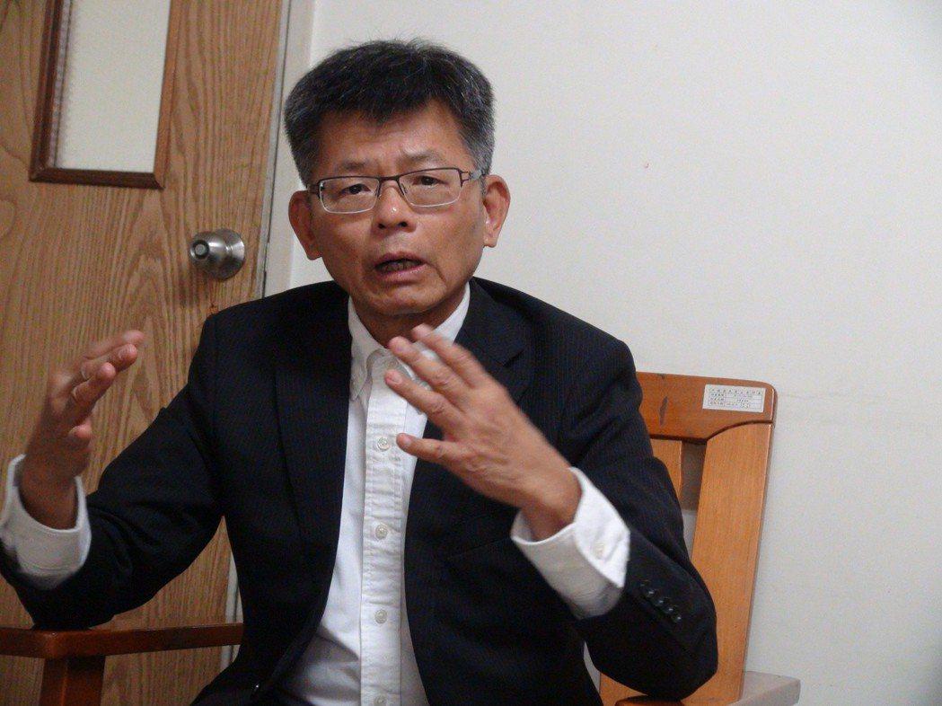 前高雄縣長楊秋興說,投資案若拖上1、2年或更久,不但人民會失望,企業也會失望。 ...