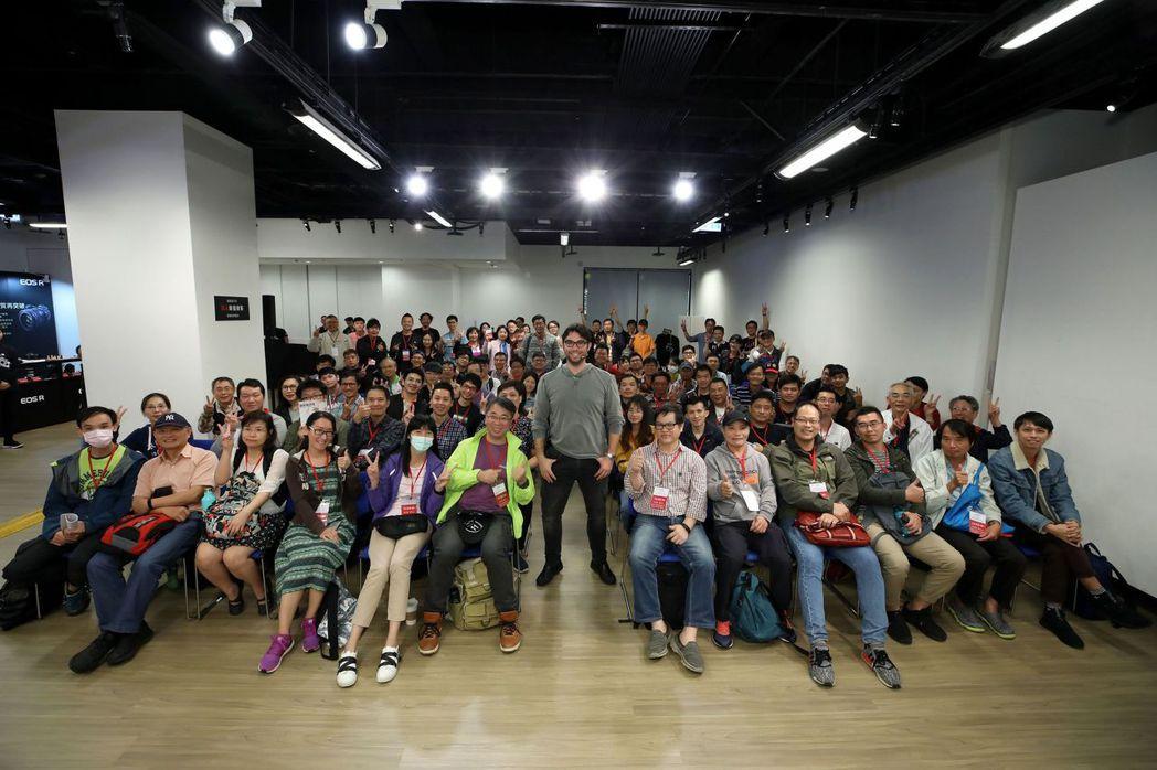 「EOS R專業攝影巡迴講座」首場請到美國重量級攝影師羅伯托(Roberto V...