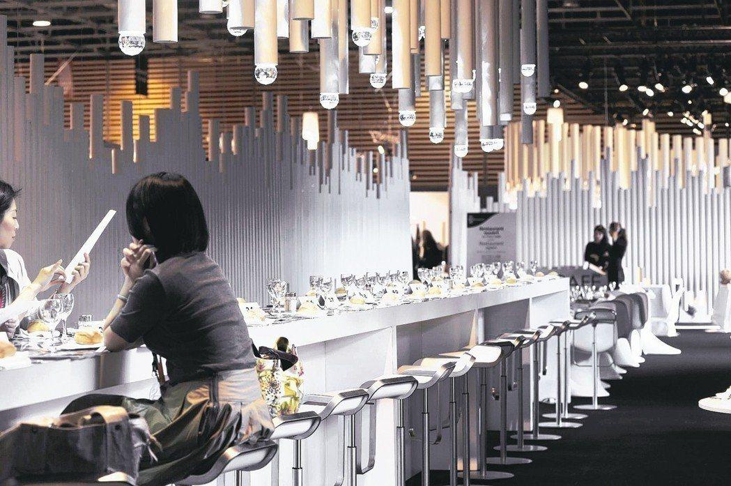 許多餐廳常見的照明燈具,都是出自麗光科技之手。麗光科技/提供
