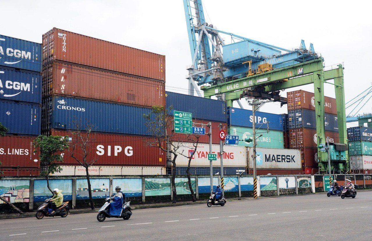 主計總處下修2019年經濟成長率至2.41%,且對於明年海關出口值年增率估僅1....