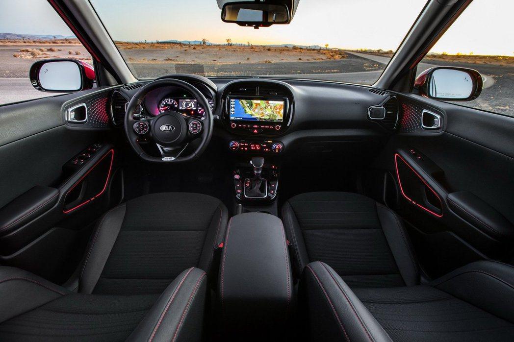 新世代Kia Soul車室如車身外觀的變化,也變為較為年輕活潑。 摘自Kia