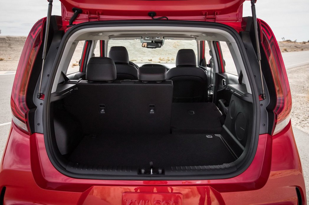 受惠於軸距的增加,第三代Kia Soul的行李廂空間也隨之增加。 摘自Kia