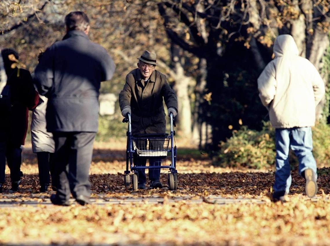 我不怕老,但怕孤獨。高齡化浪潮來襲,德國也難倖免? 圖/法新社