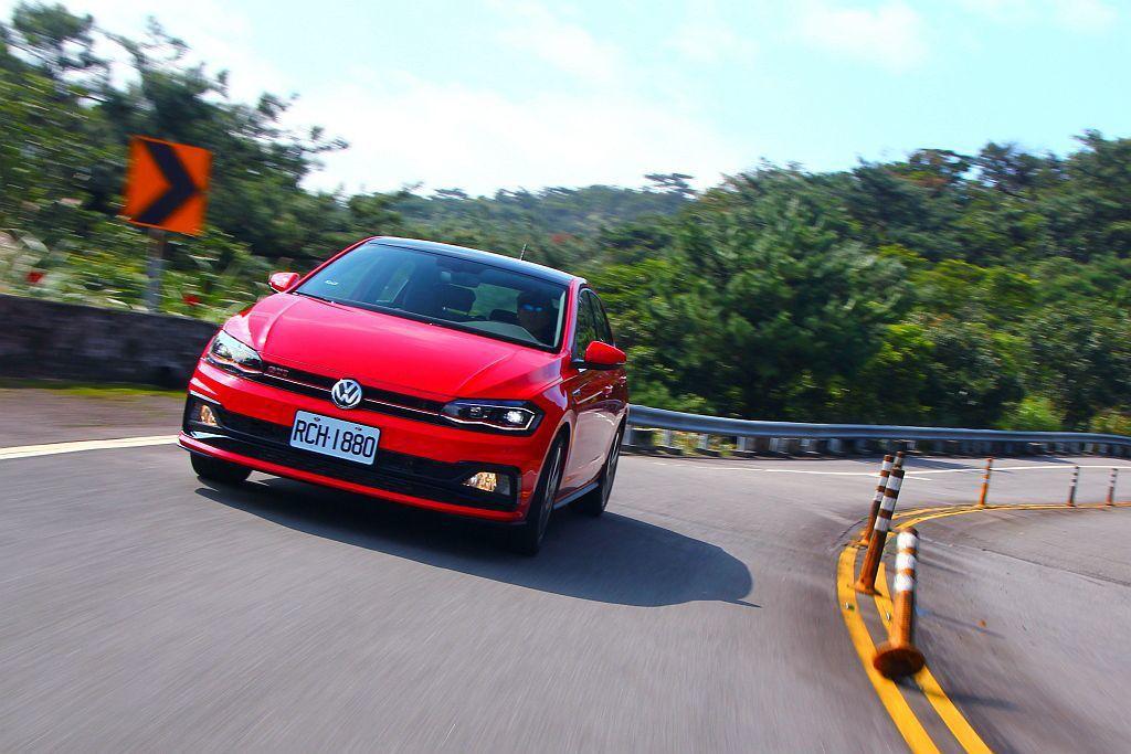 福斯Polo GTI採2.0L引擎排氣量設定下造就優異的動力輸出延伸性,應付台灣...