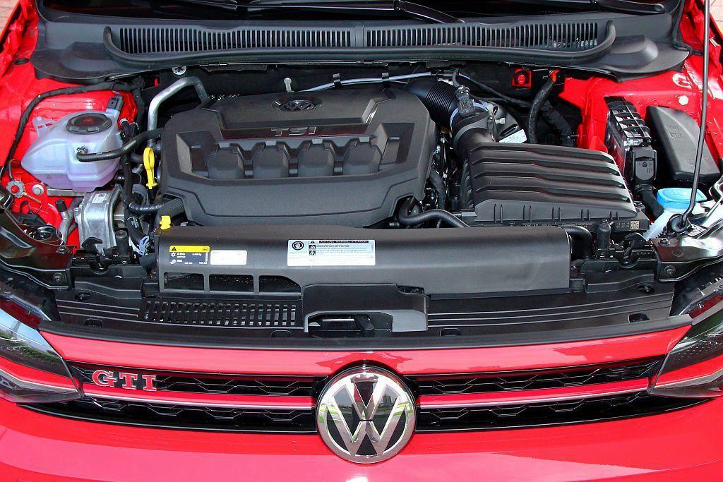 原廠代號EA888渦輪汽油引擎,不僅是集團內知名的重點動力,成熟度高、運轉精緻外...