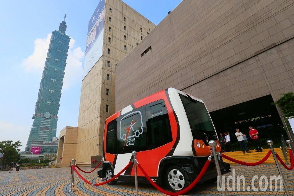 立法院今天三讀通過《無人載具科技創新實驗條例》。記者余靖瑩/攝影
