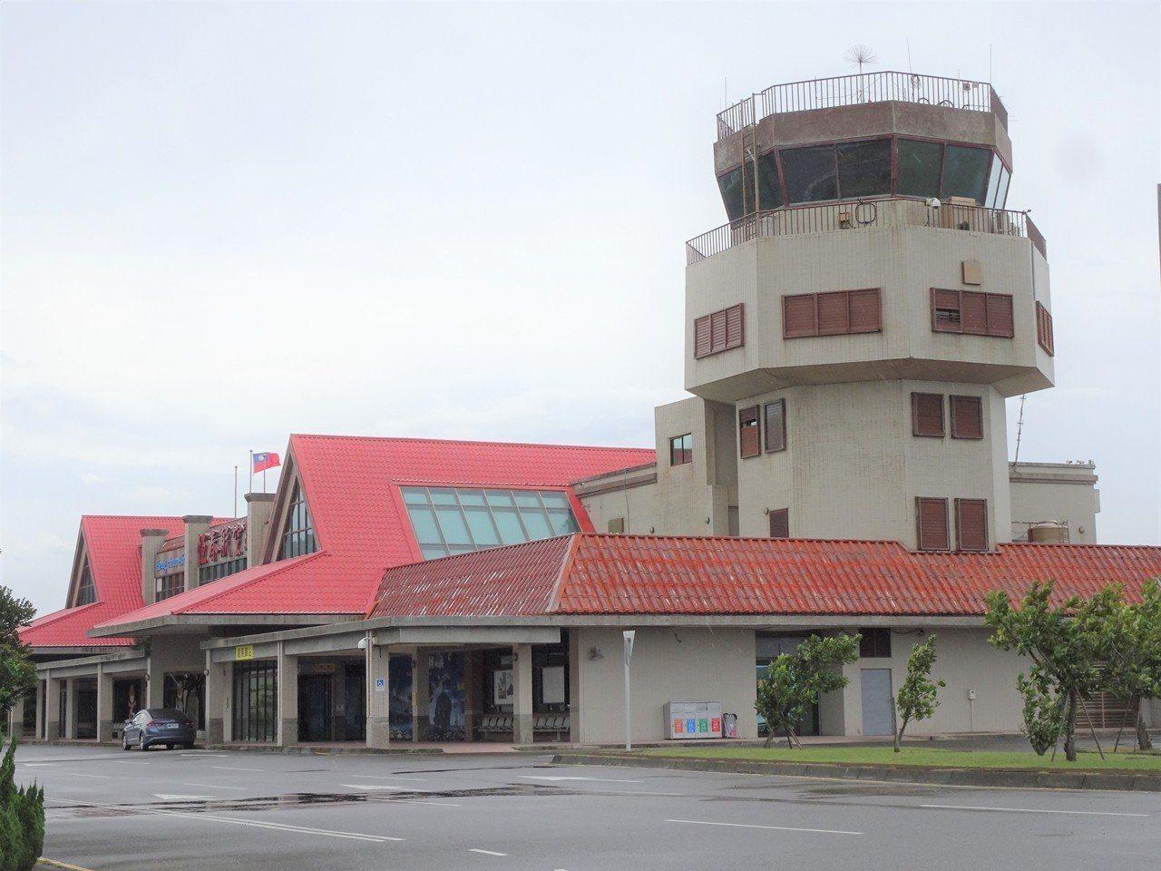 恆春機場的未來受關注,屏東縣長潘孟安表示,縣府對活化機場的決心並未改變。圖/本報...