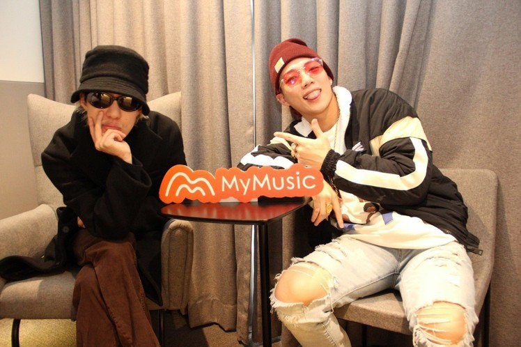 MyMusic邀請嘻哈新星陳亦凡(圖右)擔任客座編輯,專程飛往首爾專訪擁有「音源...