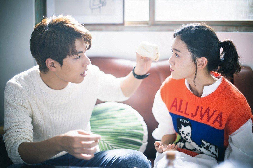 鍾瑶(右)、林子閎戲裡戲外都愛鬥嘴。圖/東森提供