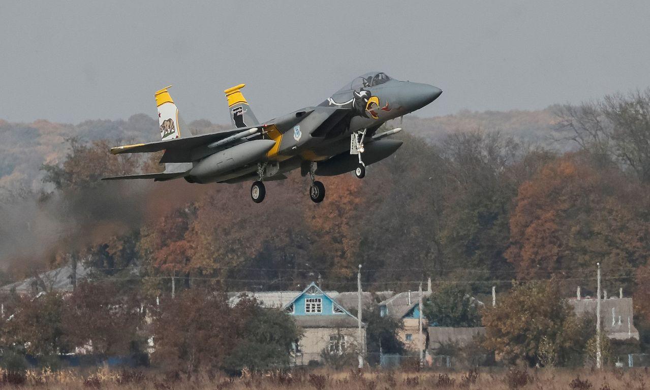 卡達向美國採購36架全新F-15戰機,將在2022年交機。 (路透)