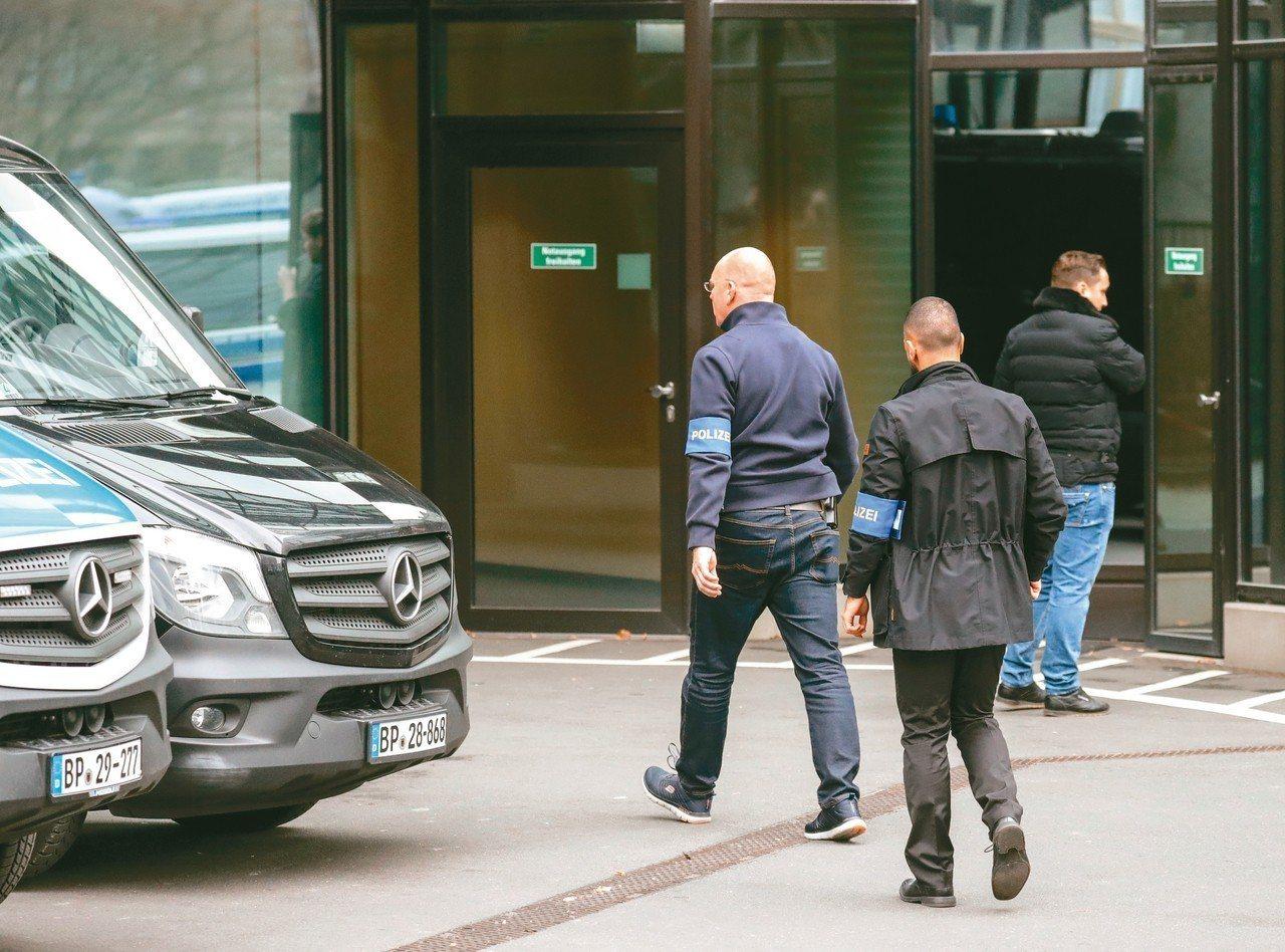 德意志銀行陷入洗錢案,檢警連續第二天前往公司總部找尋線索。 歐新社