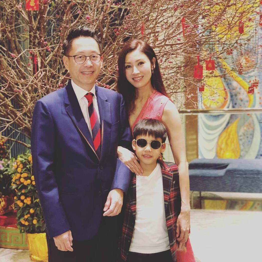 李嘉欣曾曝光全家照。圖/擷自instagram。