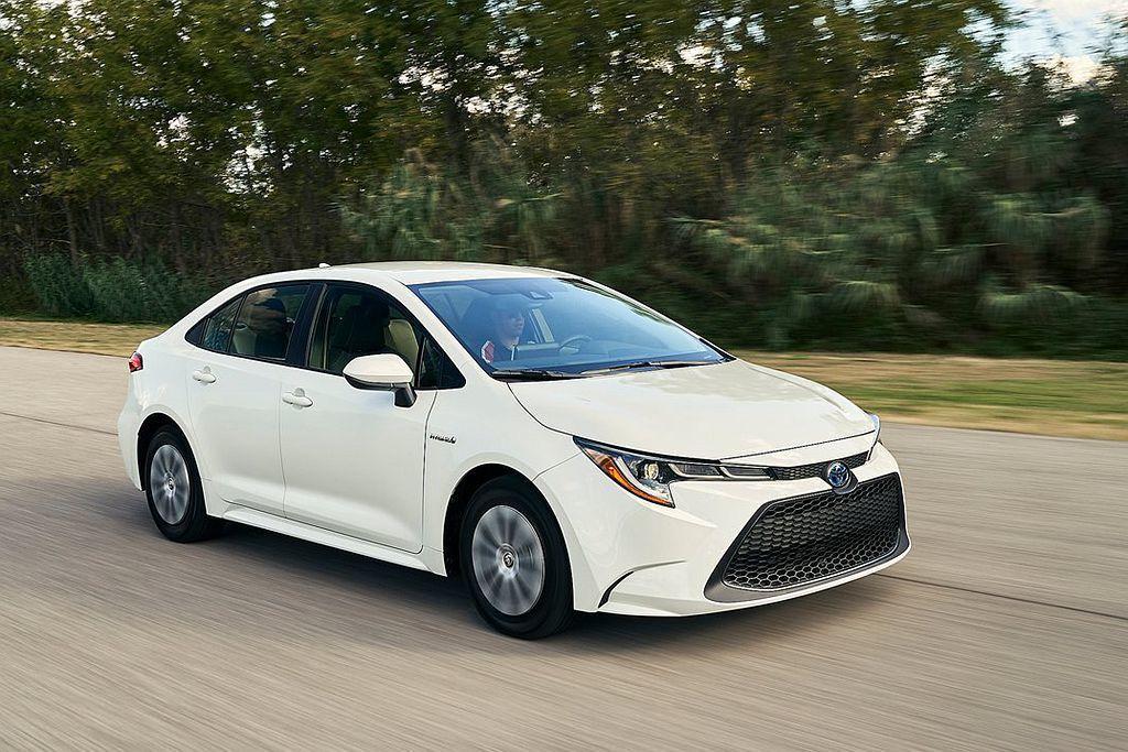 美規版Toyota Corolla Hybrid搭載1.8L油電複合動力系統,不...