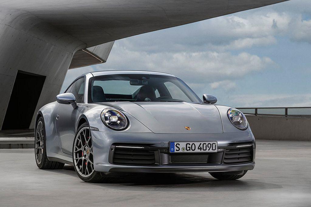 全新第八代保時捷911選在洛杉磯車展進行首發,台灣也同步開出663萬起的預售價。 圖/Porsche提供